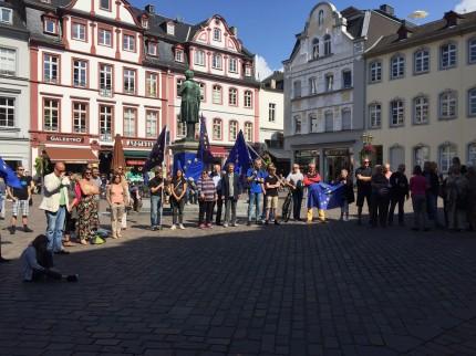 "Teilnehmer der ""Pulse of Europe""-Bewegung in Koblenz"